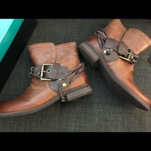 Brown leather ankle boots w buckle New in box, 6